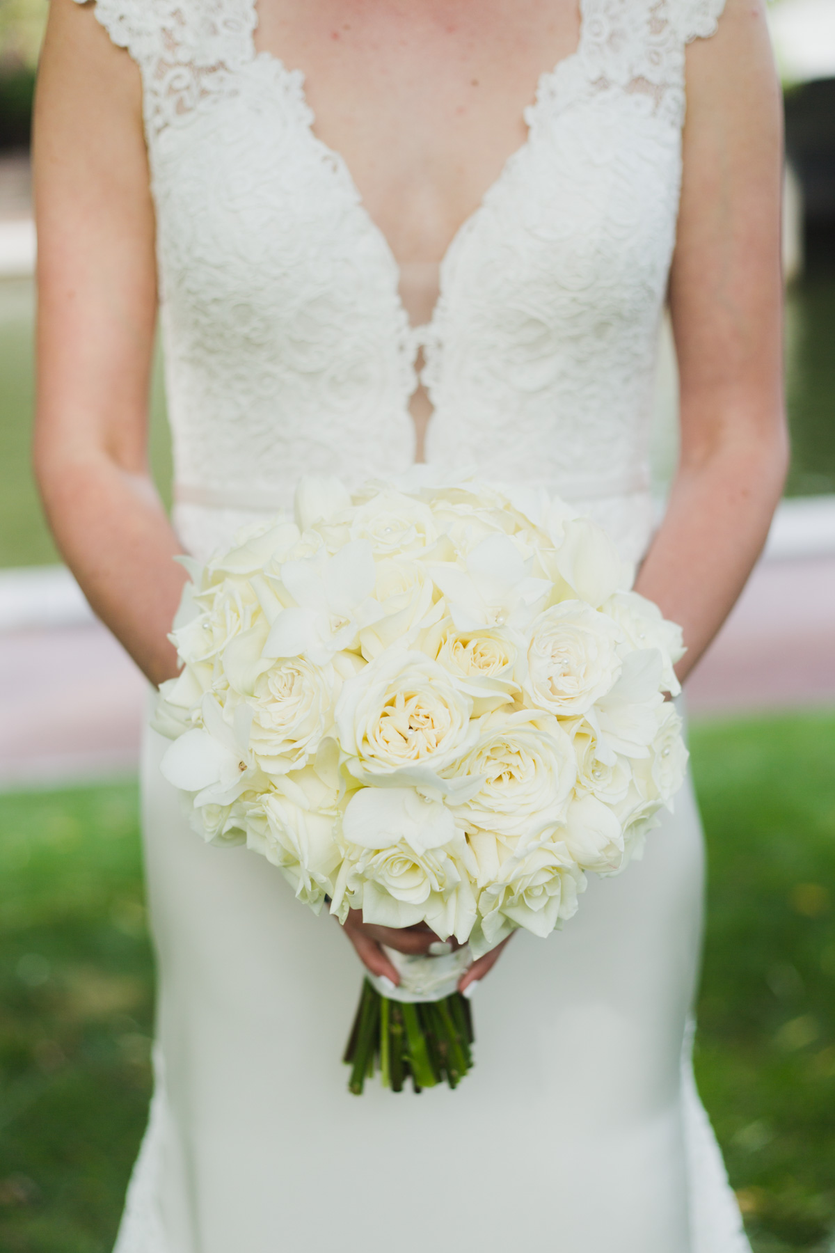 all white wedding bouquet