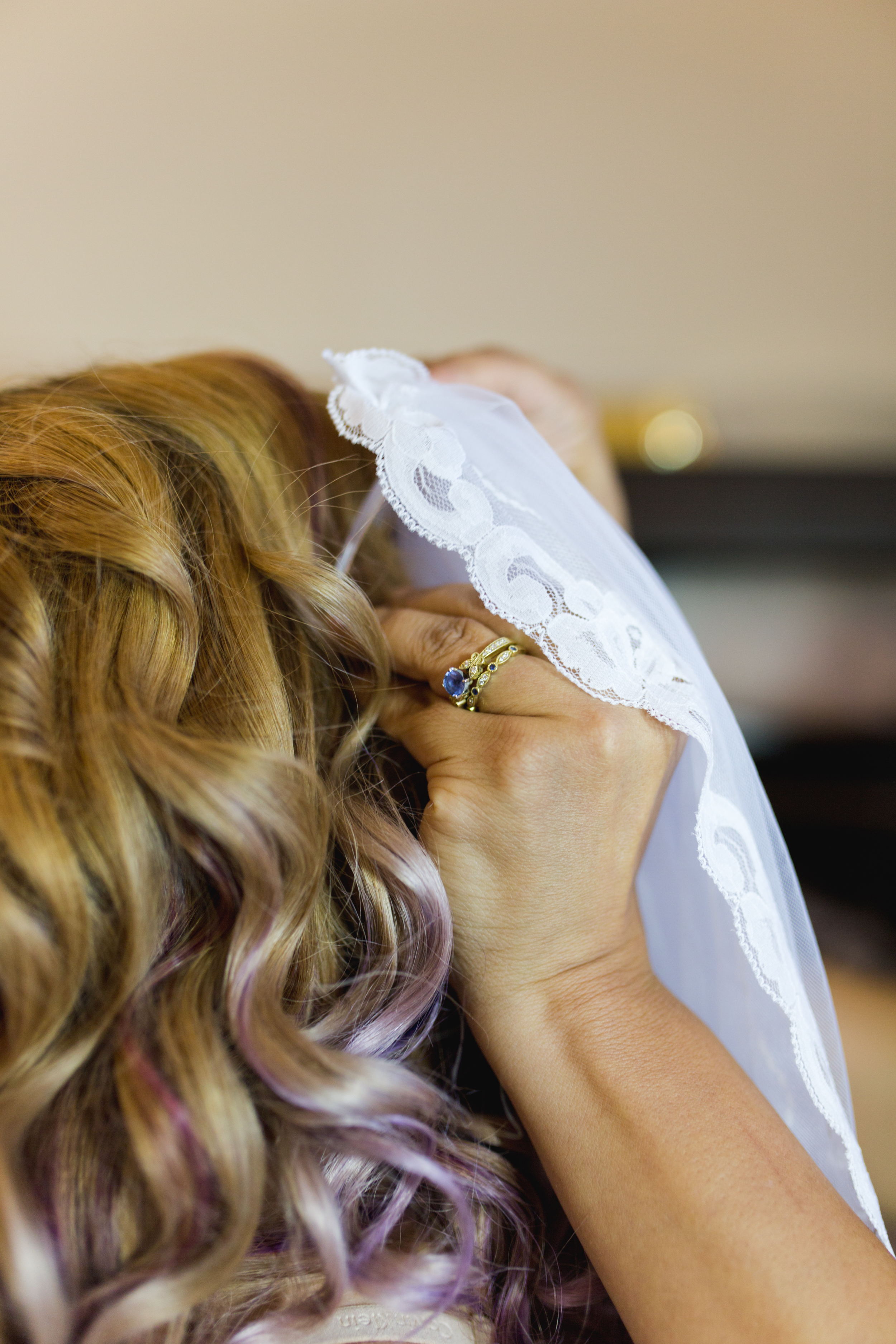 harbor-court-hotel-wedding-veil