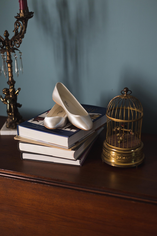 pennsylvaniapaweddingphotographersphotographybrideshoes