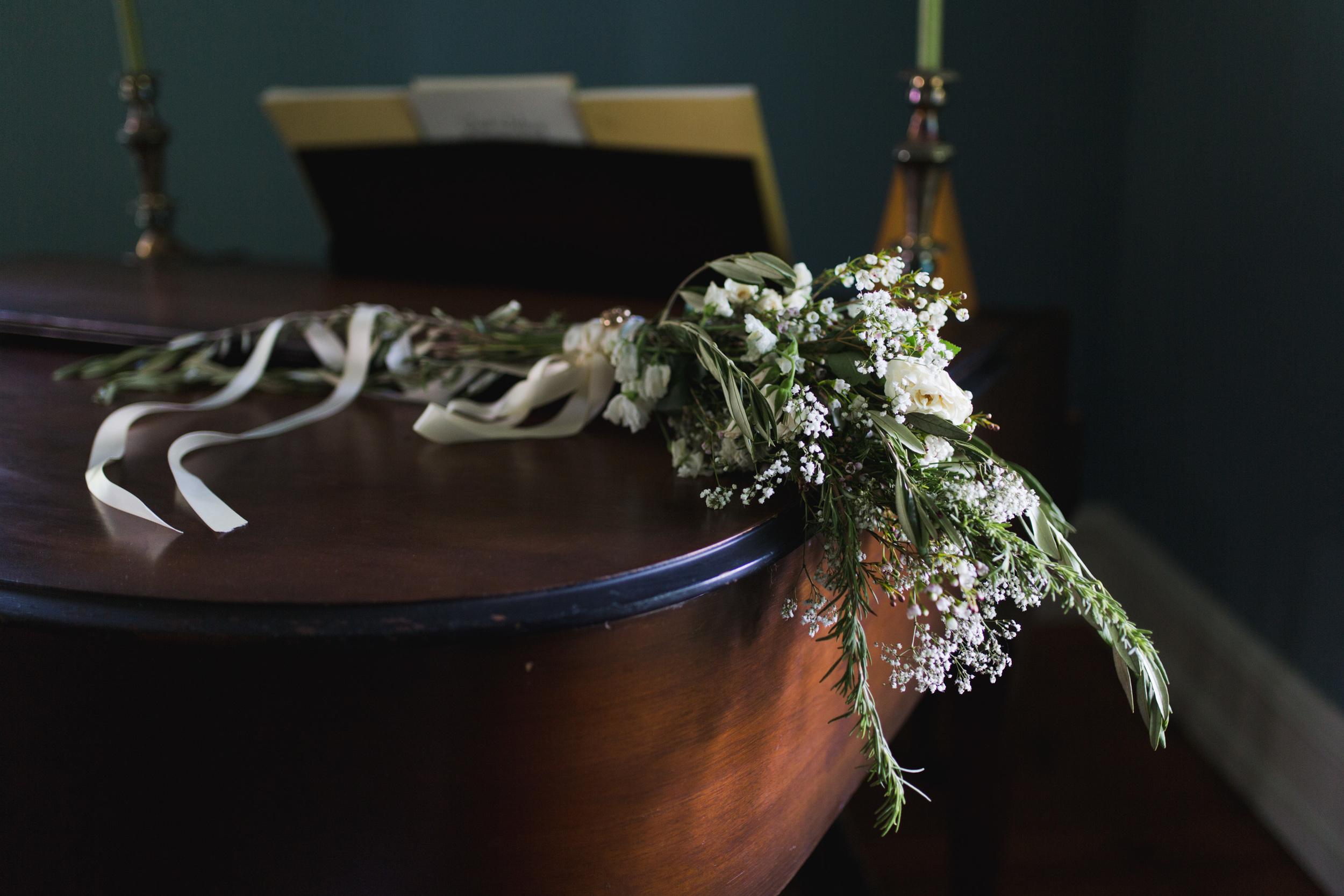 pennsylvaniapaweddingphotographersphotographyflowerbouquetolive