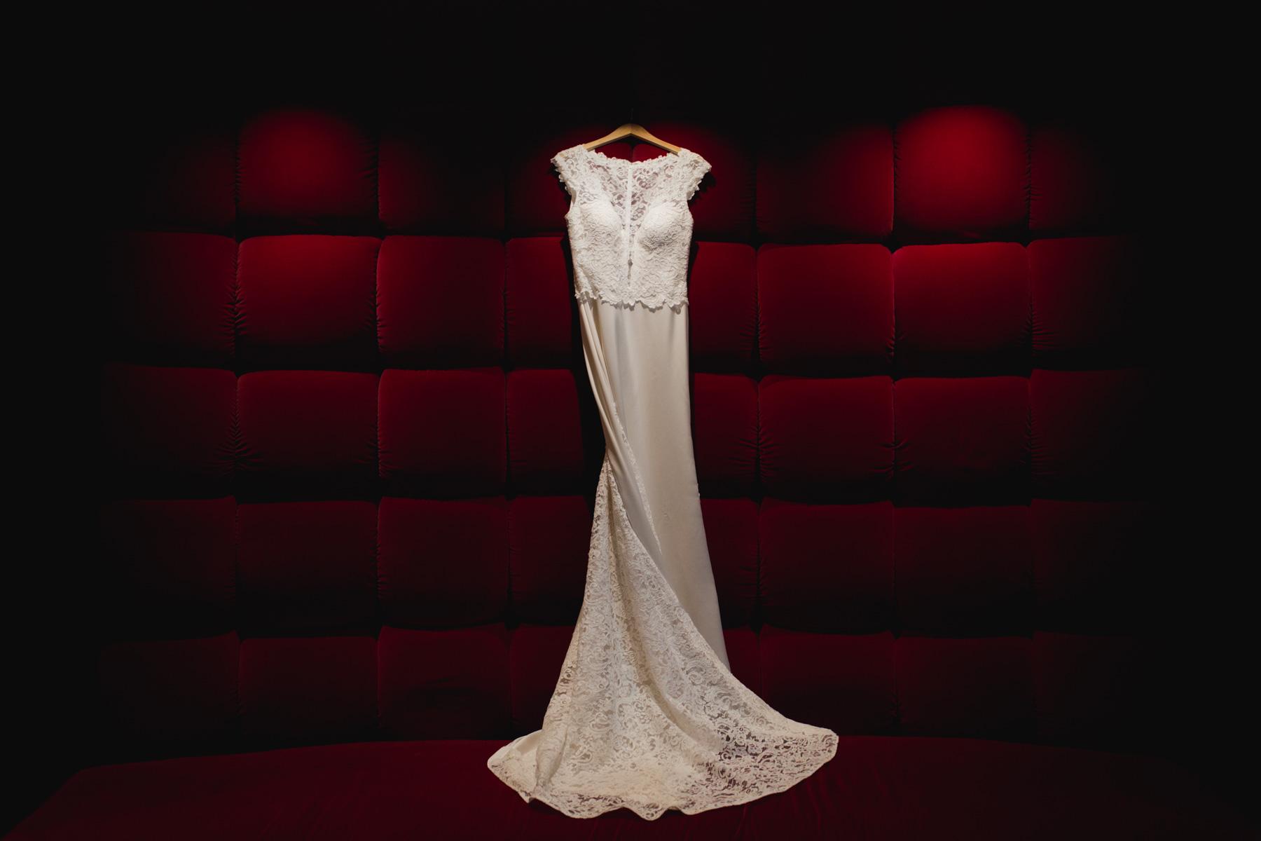 hotel marlowe wedding dress photography