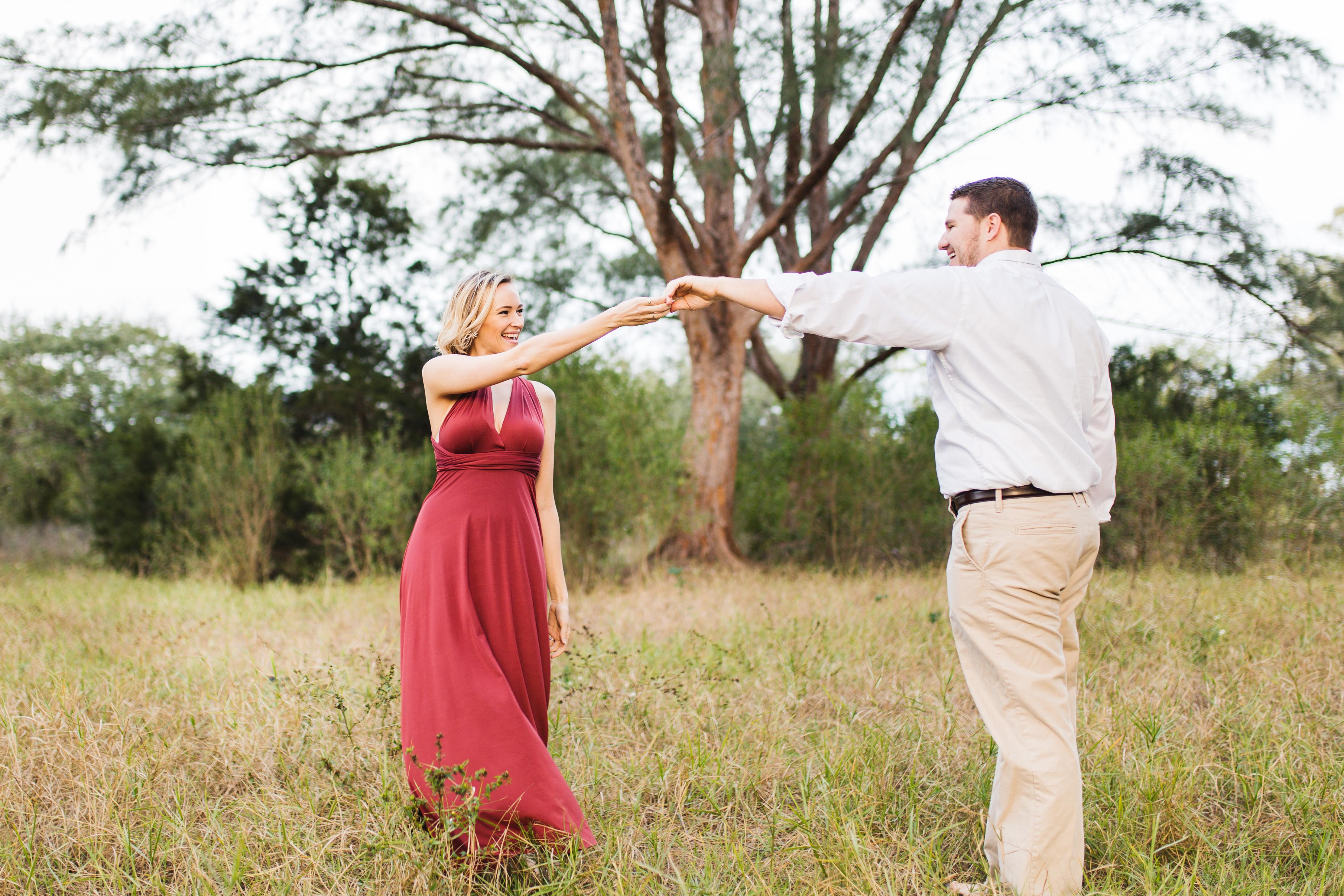 destination-photography-florida-red-dress-romantic-dancing