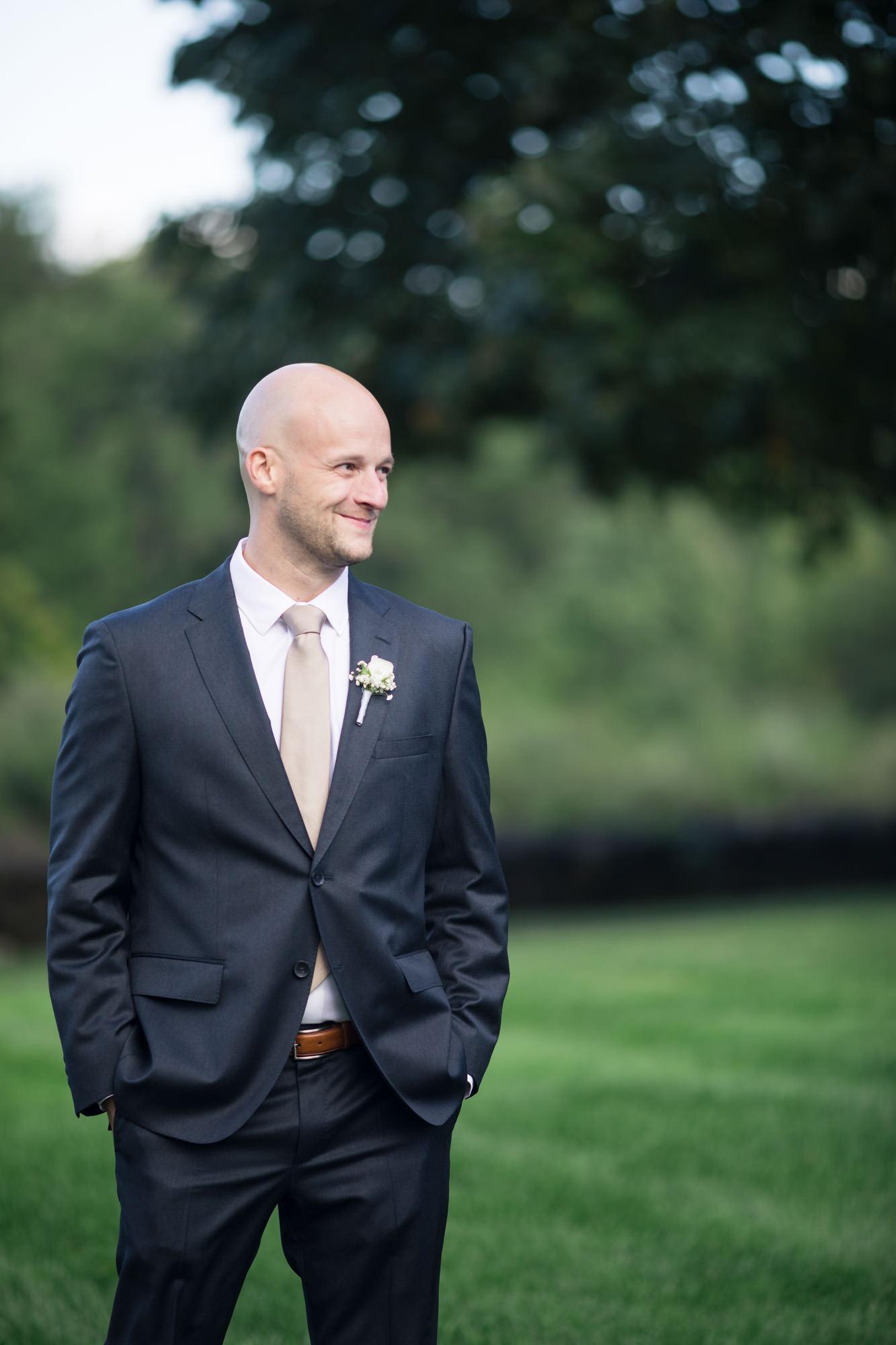 groom sees bride in aisle